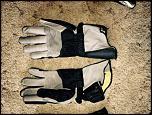 Gloves !-held-phantom-gp-2-jpg